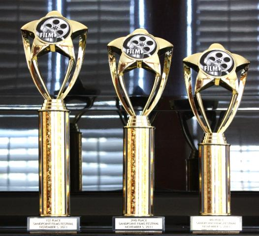 IMG_7675_Standard_e-mail_view2011_trophies.jpg